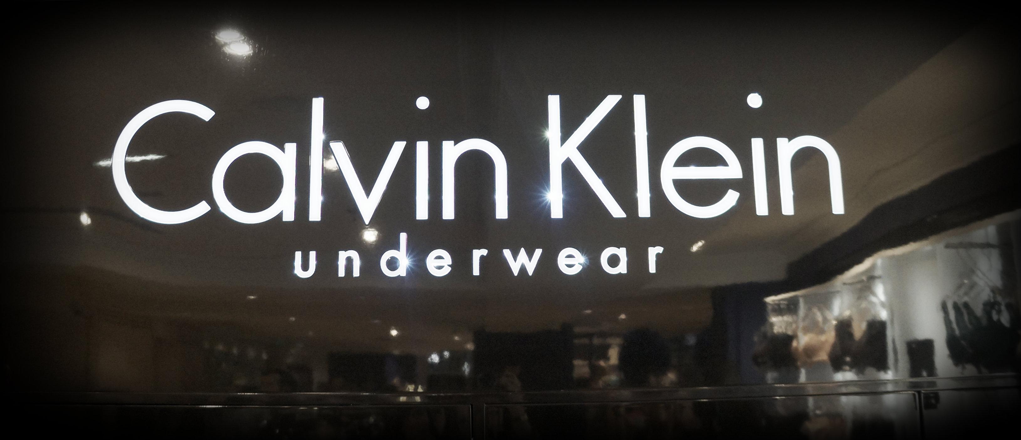 Une manucure express offerte par Calvin Klein aux Galeries Lafayette